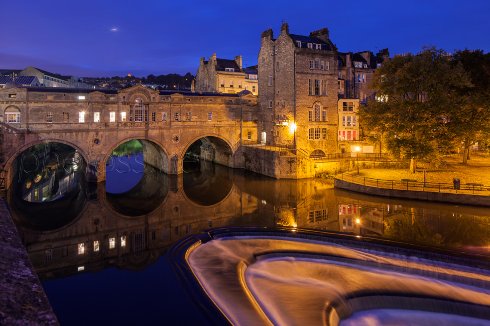 Blue Hour at Pulteney Bridge in Bath. Slawek Staszczuk Photography.