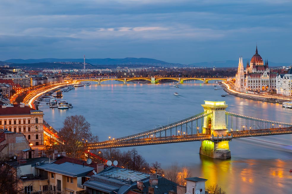 Blue hour in Budapest. Slawek Staszczuk Photography.